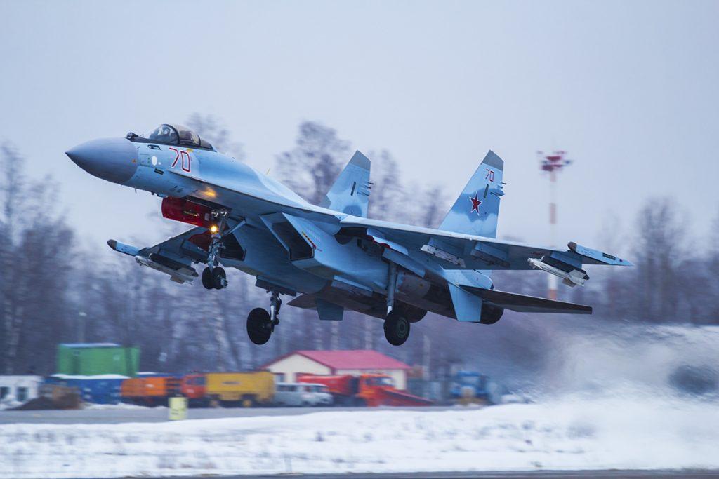 В Карелии экипажи армейской авиации ЗВО скинули больше 180 тонн воды на очаги лесных пожаров
