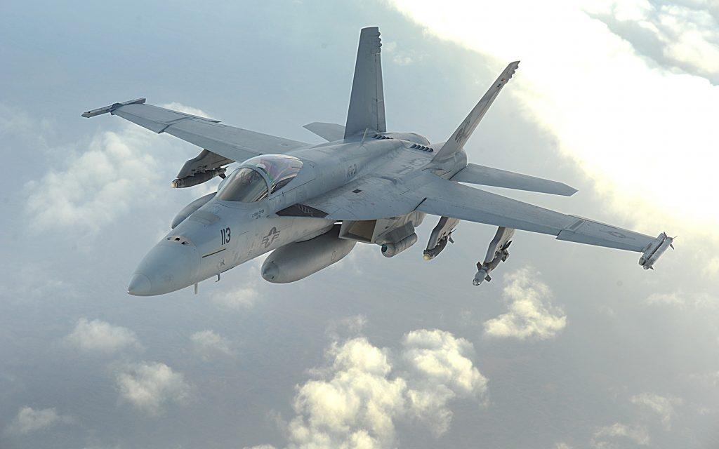 Русский Су-30 перехватил западный F-18 над Сирией
