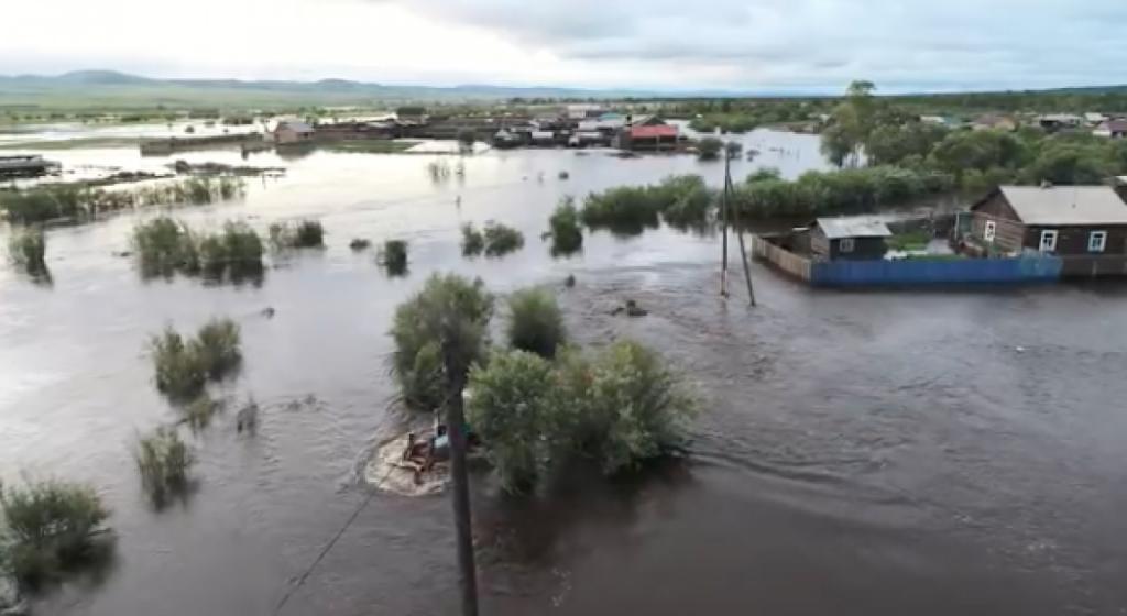 В отрезанные наводнением населенные пункты Забайкалья доставлено практически 7 тонн поддержке